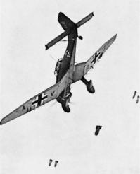 JU 87 dive bombing